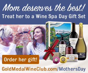 Mom Deserves a wine spa day gift set now!