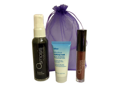 FREE Valentines Day Swag Bag with orders $150+ at beautystoredepot.com