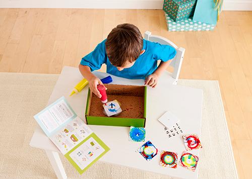 Also in the Handmade Hanukkah kit: make your own spinning dreidel! Shop Kiwi Crate ››