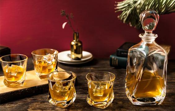 Joyjolt Elegant Glassware